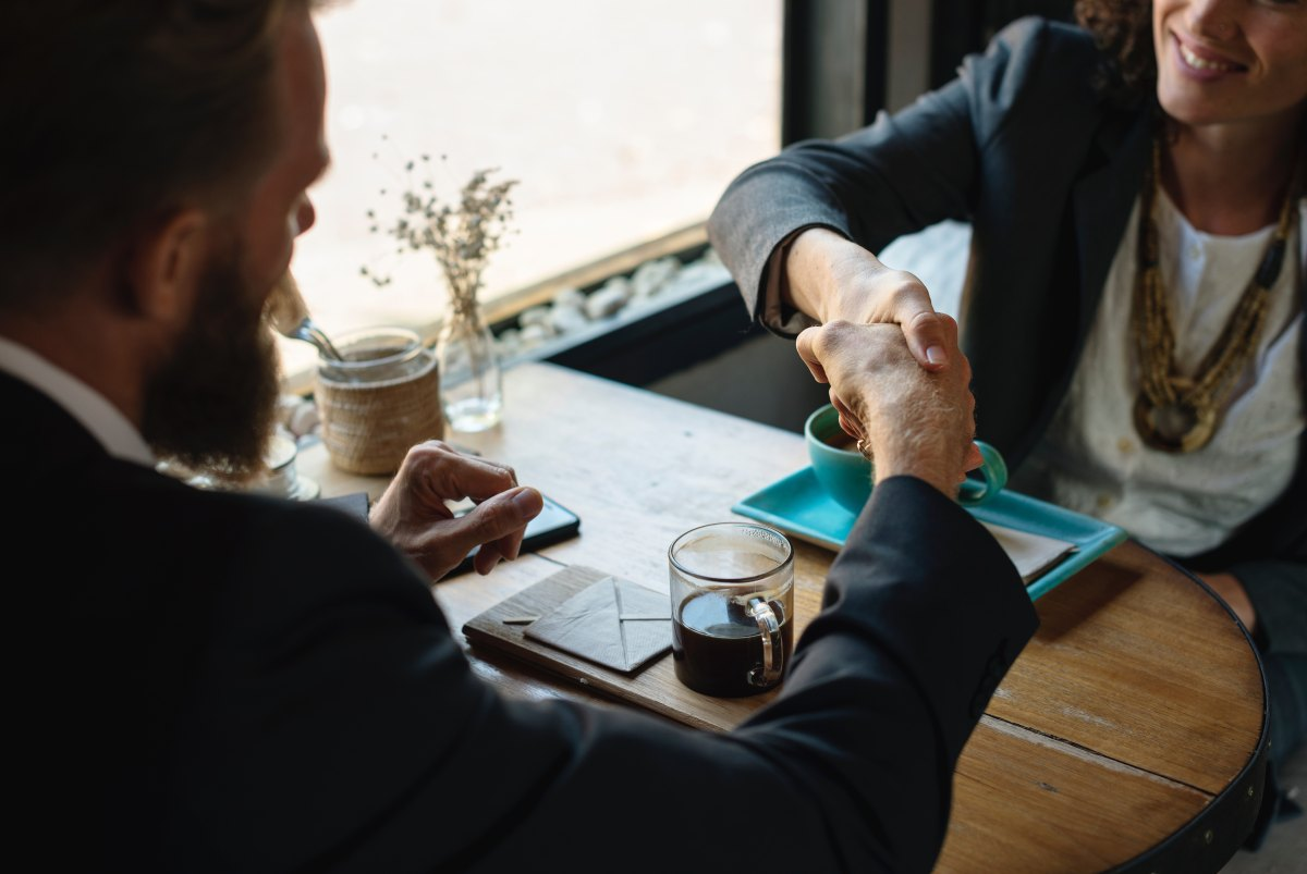 あなたは自分を雇いますか? 転職成功に不可欠な視点